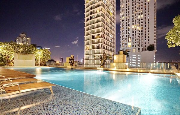 Ivy-Thonglor-Bangkok-condo-for-sale-swimming-pool
